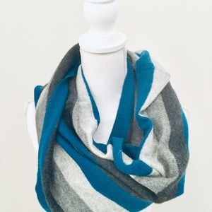 Blue Gray White Infinity Knit Scarf  22 x 45